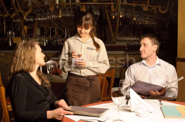 Camarero toma para restaurante clientes hombre Foto stock © luckyraccoon