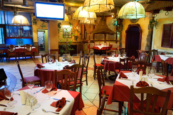 Ristorante italiano tradizionale interni luce vetro rosso Foto d'archivio © luckyraccoon