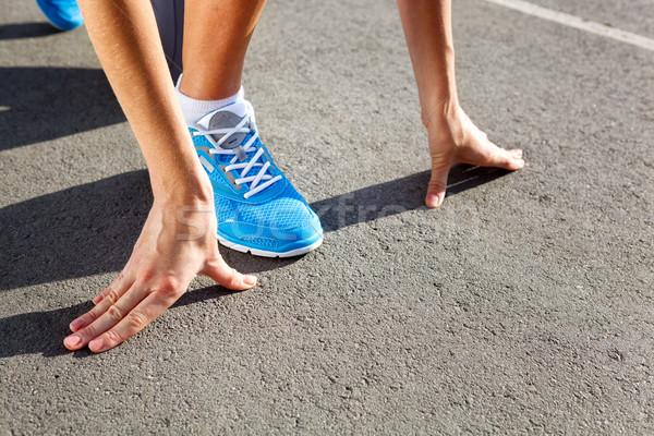 Primer plano zapato ejecutando corredor pies Foto stock © luckyraccoon