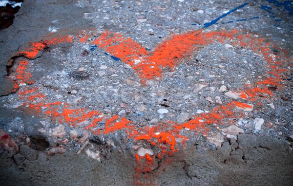 Coração assinar amor arte urbano vermelho Foto stock © luckyraccoon