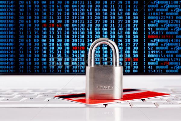 Creditcard hangslot toetsenbord veiligheid ecommerce computer Stockfoto © luckyraccoon