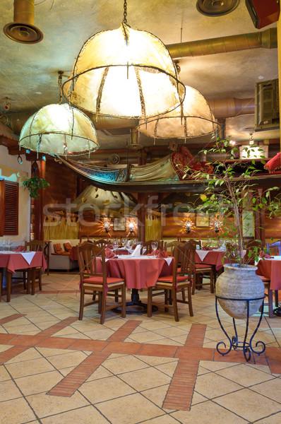 Restaurante italiano tradicional interior luz vidrio restaurante Foto stock © luckyraccoon