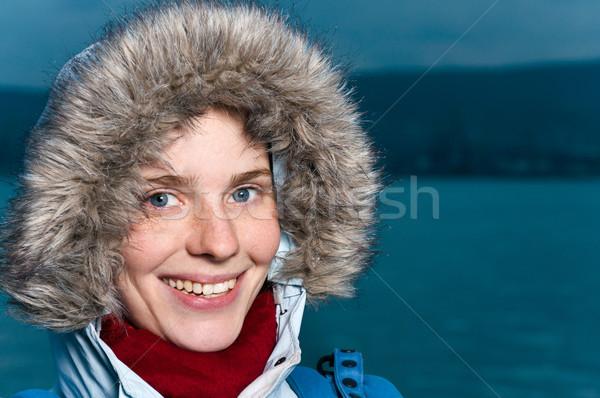 Porträt jungen glücklich Frau Winter Stock foto © luckyraccoon