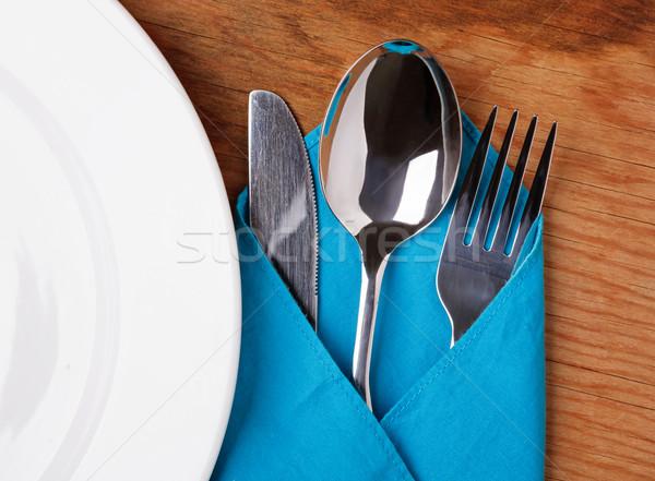 Cuchillo tenedor cuchara placa mesa de madera superior Foto stock © luckyraccoon