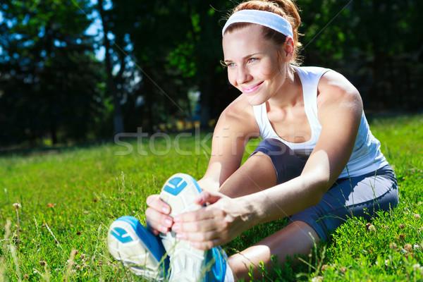 Giovane ragazza esercizio parco donna ragazza donne Foto d'archivio © luckyraccoon