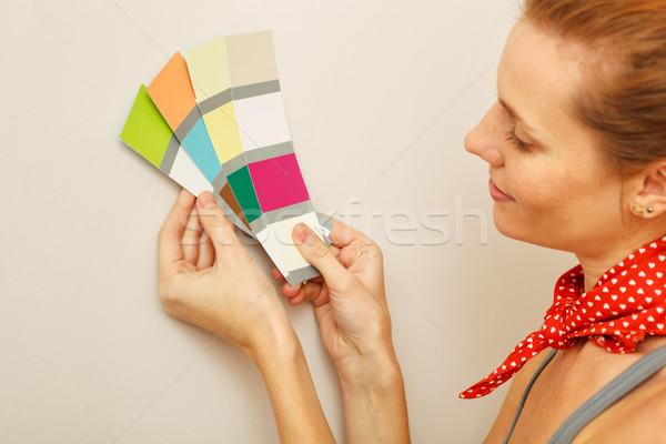 Giovani bella donna colore palette Foto d'archivio © luckyraccoon
