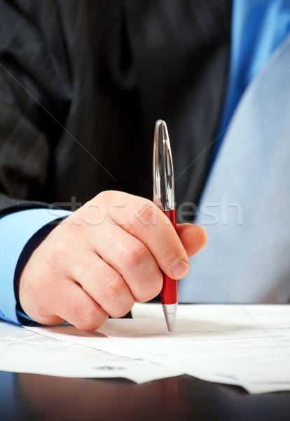 ビジネスマン ペン 署名 契約 ビジネス 手 ストックフォト © luckyraccoon