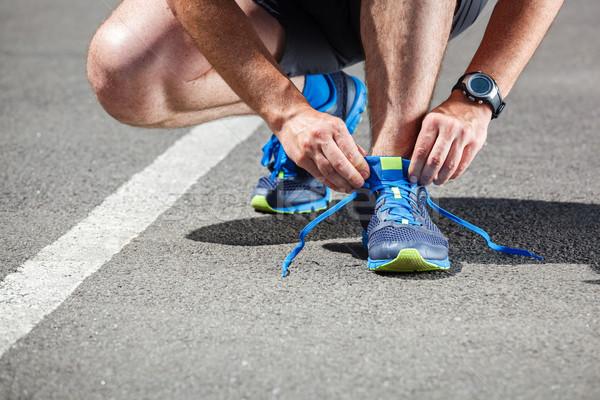 Runner loopschoenen klaar lopen weg sport Stockfoto © luckyraccoon