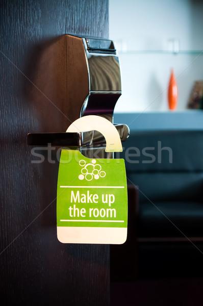 Uzupełnić pokój drzwi podpisania działalności drewna Zdjęcia stock © luckyraccoon