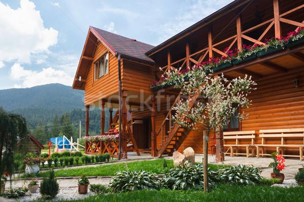 Hotel montanhas Ucrânia casa nuvens edifício Foto stock © luckyraccoon