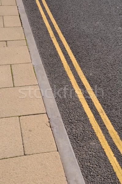 Linee raddoppiare giallo asfalto strada Foto d'archivio © luissantos84