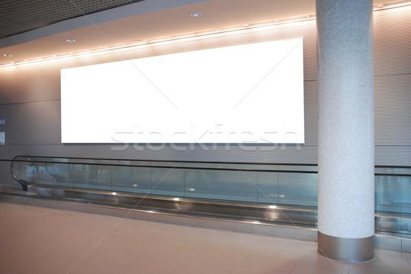 óriásplakát modern építészet üres mozgólépcső nemzetközi Stock fotó © luissantos84