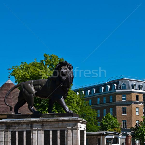 лев садов чтение Англии квадратный Сток-фото © luissantos84