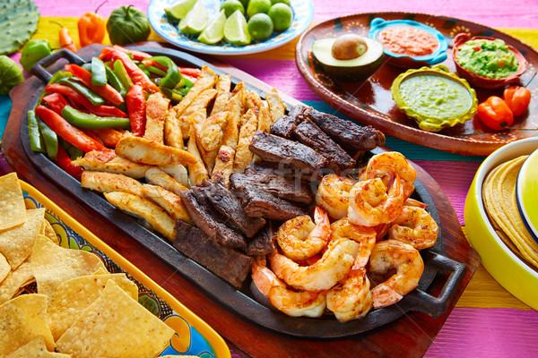 Meksika sığır eti tavuk fajitas karides Stok fotoğraf © lunamarina