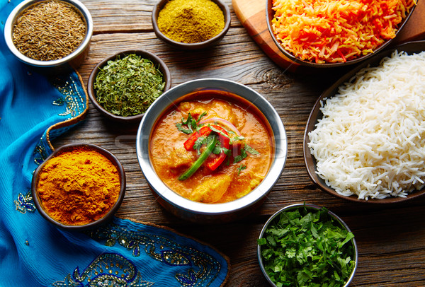 Tyúk indiai étel recept fűszer rizs fa Stock fotó © lunamarina