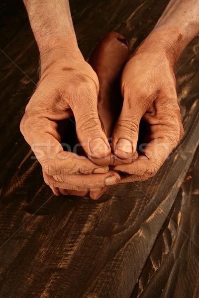 Stockfoto: Aardewerk · handen · werk · klei · werken · Rood