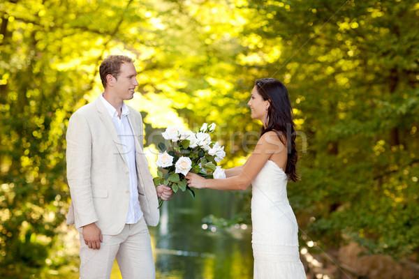 Stock fotó: Pár · szeretet · fehér · rózsák · virágcsokor · ősz