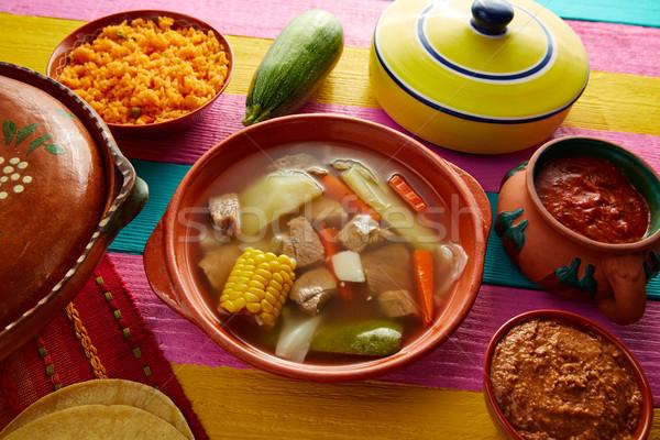 Mexikói marhahús húsleves asztal étterem tányér Stock fotó © lunamarina