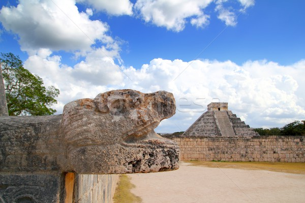 Chichen Itza Jaguar and Kukulkan Mayan temple pyramid Stock photo © lunamarina