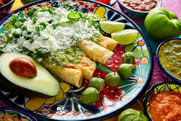 Zielone meksykańskie jedzenie kolorowy tabeli restauracji tablicy Zdjęcia stock © lunamarina