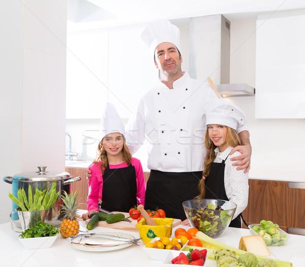 Chef mestre criança meninas cozinhar escolas Foto stock © lunamarina