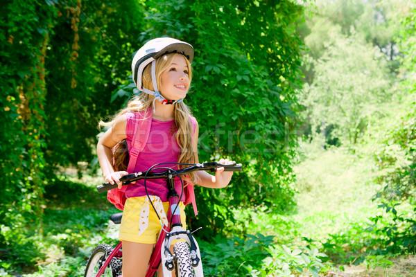ストックフォト: 子供 · 少女 · ライディング · 自転車 · 屋外 · 森林