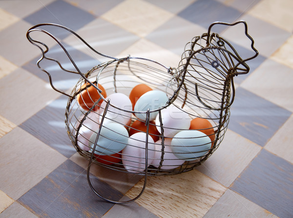 Ovos vintage galinha forma cesta azul Foto stock © lunamarina