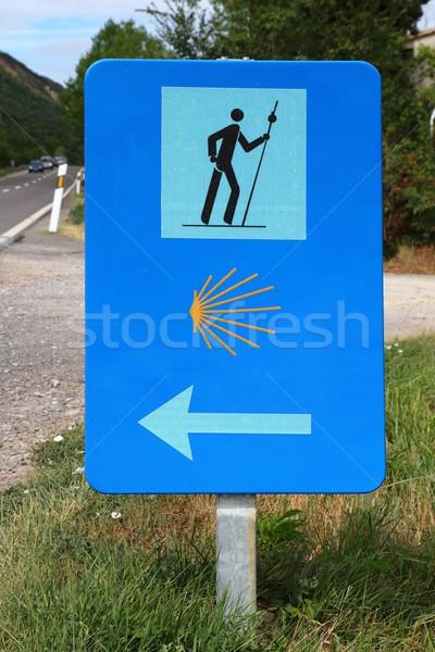 Zarándok jelzőtábla gyalogos út szent útvonal Stock fotó © lunamarina