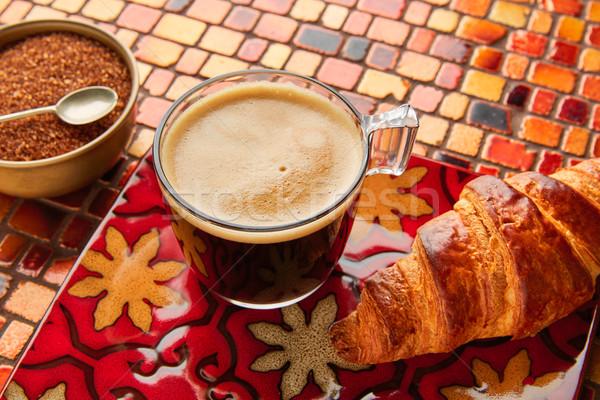 Desayuno café croissant azúcar moreno rojo marrón Foto stock © lunamarina