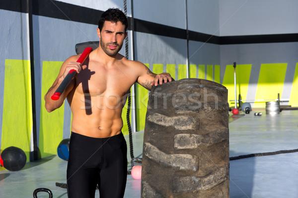 Crossfit slee hamer man gymnasium Stockfoto © lunamarina