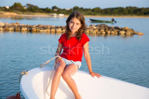 Zdjęcia stock: Dziecko · dziewczyna · marynarz · łodzi · łuk · szczęśliwy