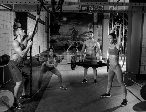 Foto d'archivio: Palestra · gruppo · allenamento · uomini · ragazze