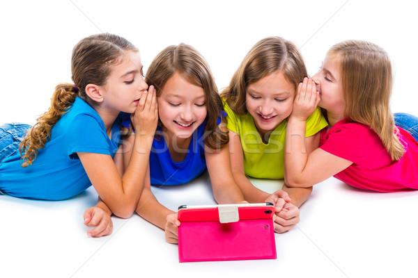 çocuk kızlar teknoloji oynama Stok fotoğraf © lunamarina