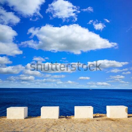 Meer Ansicht weiß Meilensteine Stock foto © lunamarina