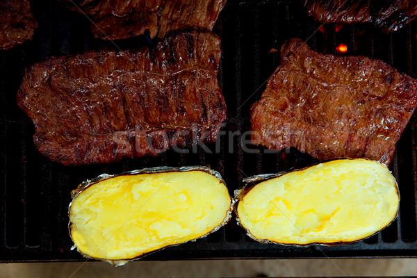 Grill grillowany wołowiny mięsa przygotowany ziemniaki Zdjęcia stock © lunamarina