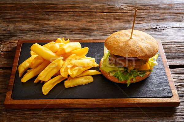 Batatas fritas mesa de madeira tabela pão sanduíche Foto stock © lunamarina