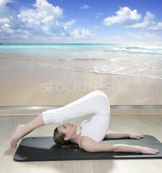 Stok fotoğraf: Siyah · yoga · kadın · pencere · görmek · tropikal · plaj