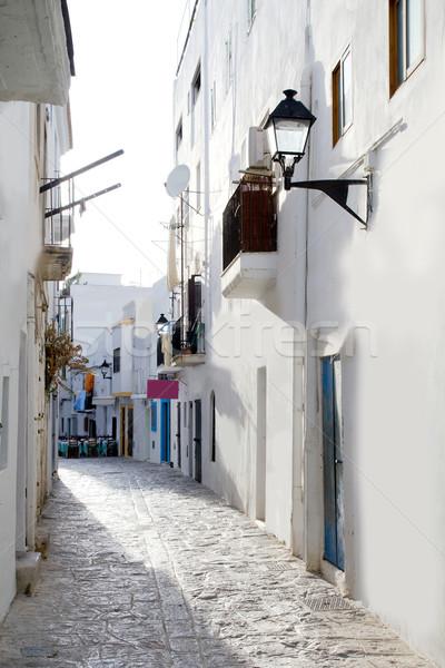 Belváros fehér házak keskeny utca mediterrán Stock fotó © lunamarina