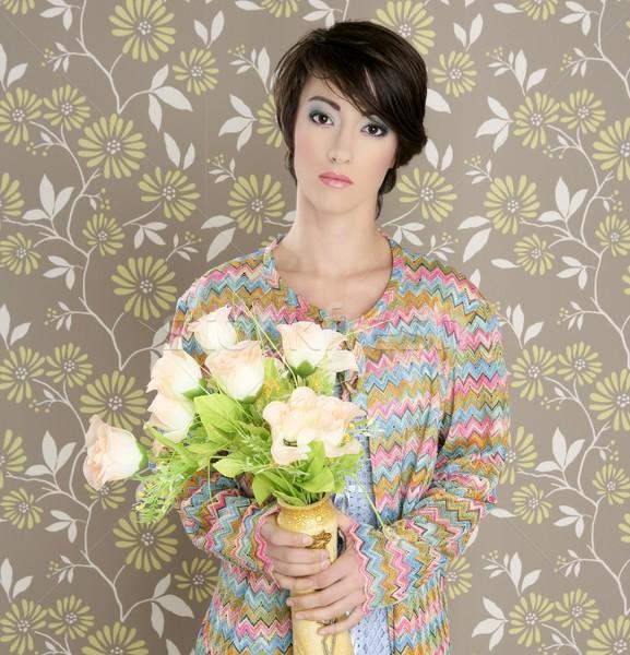 Retro portret kobiety 60s moda vintage kwiaty Zdjęcia stock © lunamarina
