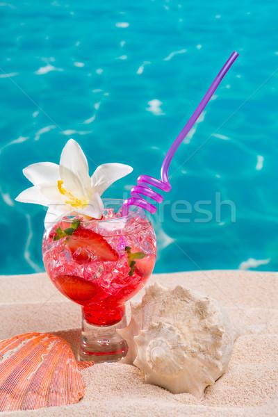 клубника коктейль песчаный пляж ракушки бирюзовый Сток-фото © lunamarina