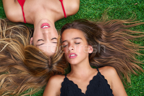 Photo stock: Adolescent · filles · couché · gazon