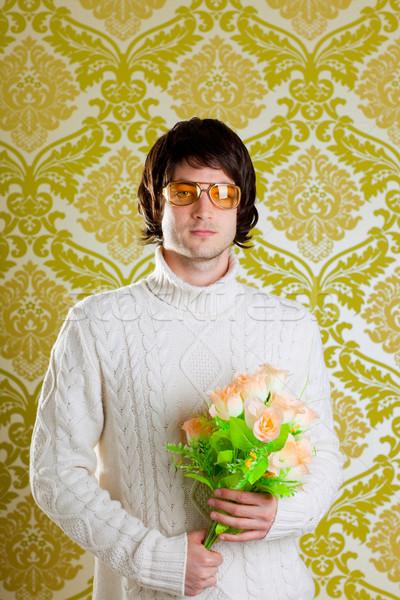 Retro anca uomo san valentino fiori Foto d'archivio © lunamarina