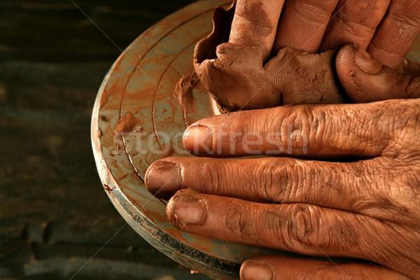 Aardewerk klei handen werk Rood vinger Stockfoto © lunamarina