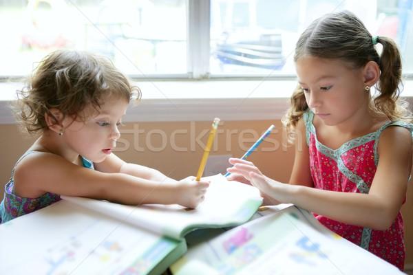 ストックフォト: 美しい · 女の子 · 宿題 · ホーム · 学校 · 少女