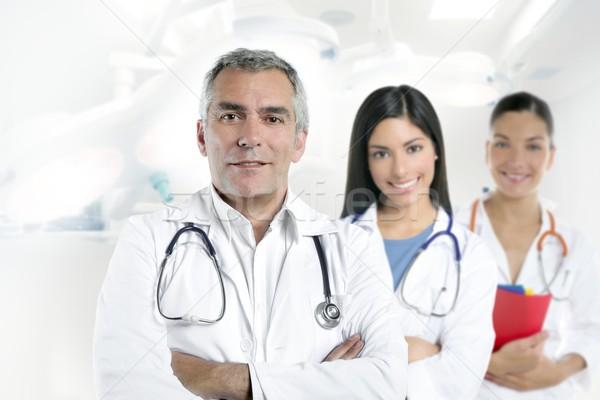 Lekarza starszy siwe włosy dwa szpitala Zdjęcia stock © lunamarina