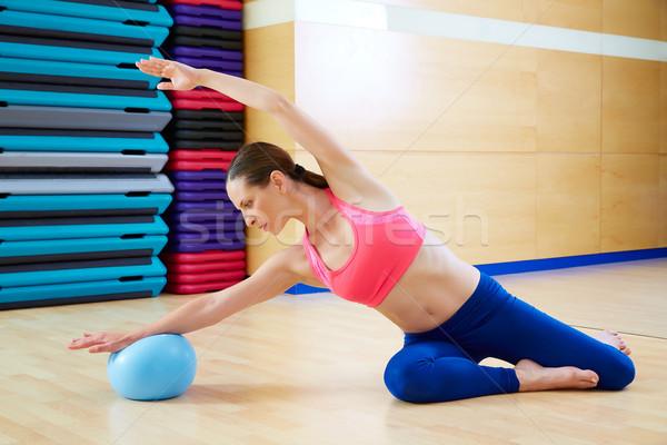 Pilates vrouw zeemeermin stabiliteit bal oefening Stockfoto © lunamarina