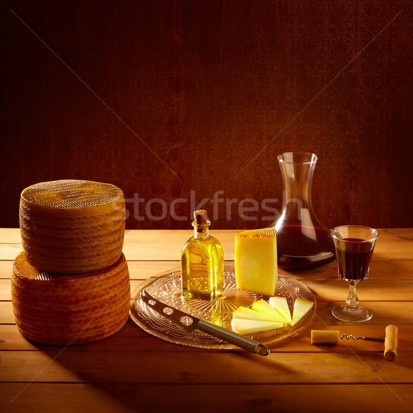 Peynir İspanya ahşap masa zeytinyağı ahşap Stok fotoğraf © lunamarina