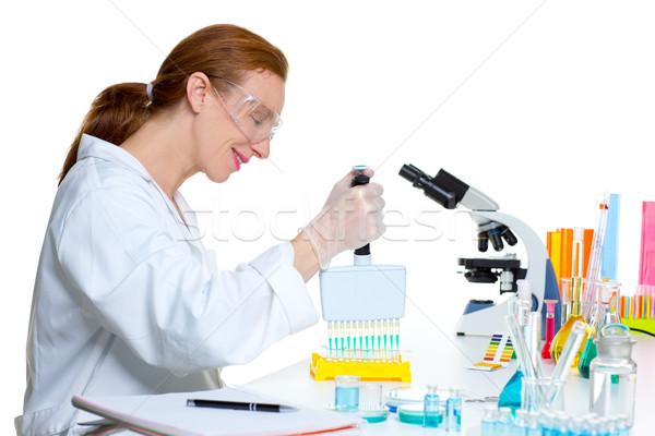 化学 室 科学 女性 チャンネル 作業 ストックフォト © lunamarina