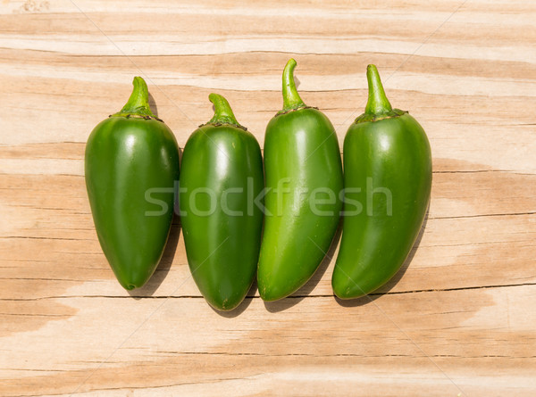 Chili jalapeno chaud piment bois fruits Photo stock © lunamarina