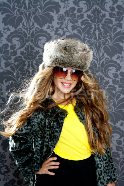 Kinderen mode blond meisje bont winter Stockfoto © lunamarina